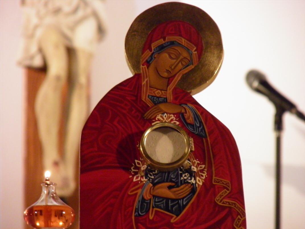 """""""DEFENDED LA EUCARISTÍA"""" Mensaje de la Virgen del 17 – 06 – 2020"""